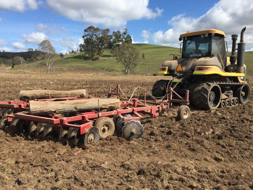International Pipeline Services IPS - tractor hire